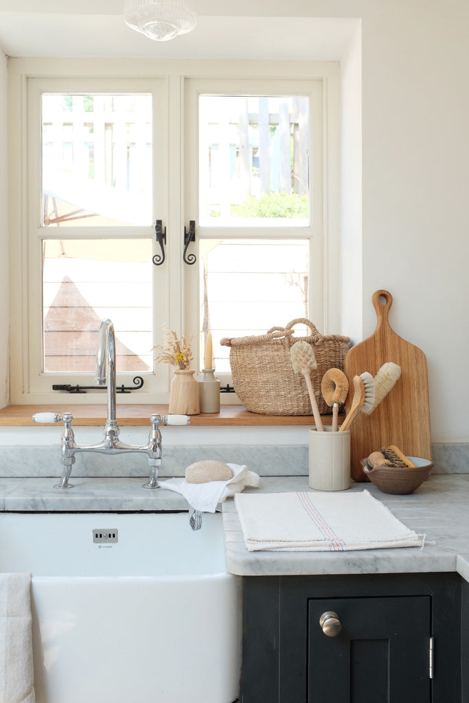 eight ways to a tidier kitchen sink area