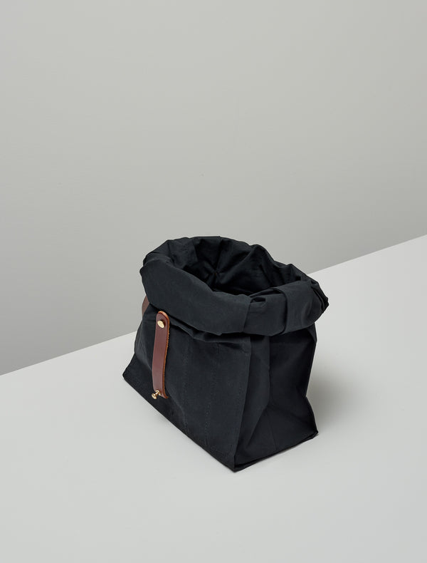 Roll top bag ~ black and tan