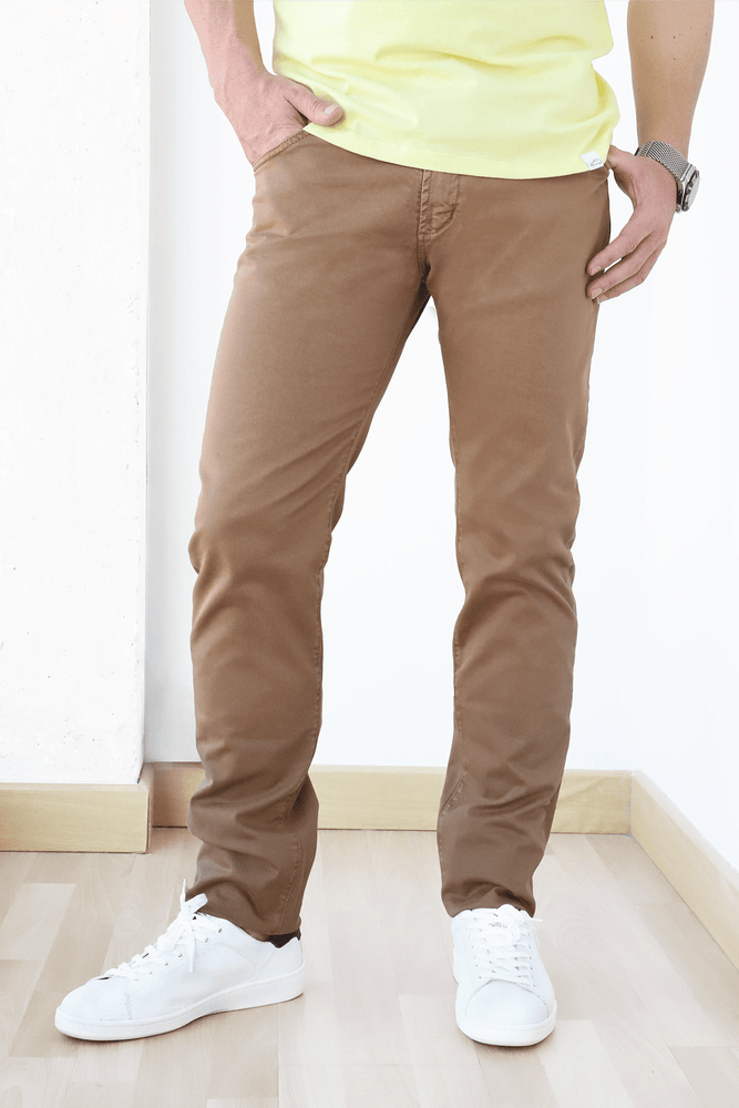 Pantalones cinco bolsillos marron