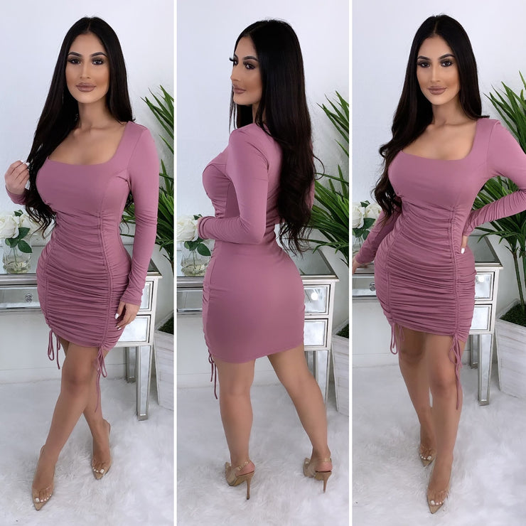 Overnight Fame Couture Midi Dress (Mauve)
