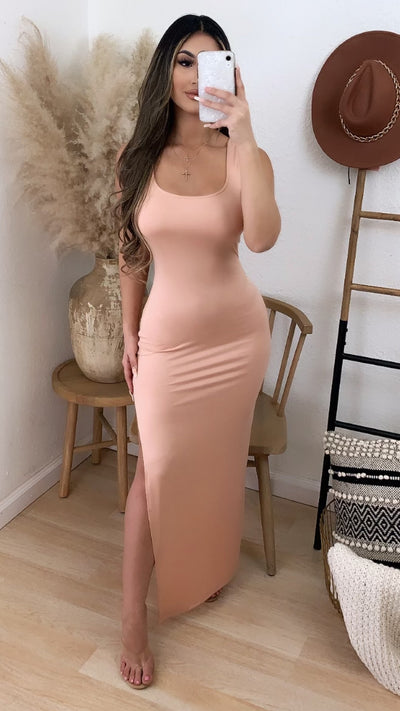 Cabo Solid Maxi Dress (Dusty Blush)