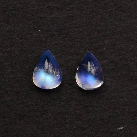 2Pcs Lot Of AAA Quality Natural Rainbow Moonstone Blue Flash Cabochon, 7x9mm Loose Gemstone (RM-60019)