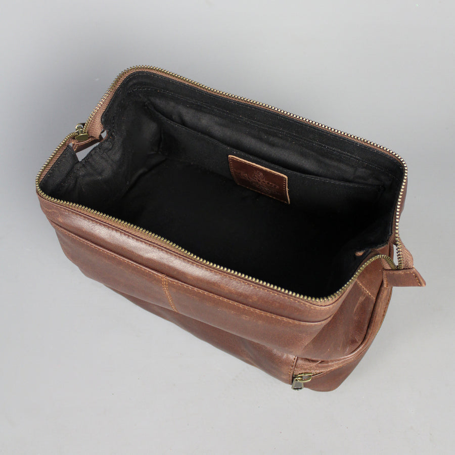 large-leather-wash-bag