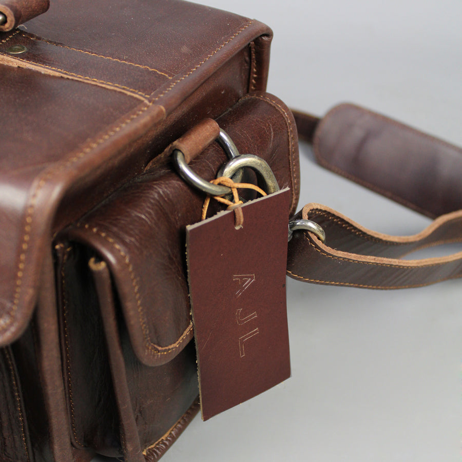 twin-pocket-leather-camera-bag