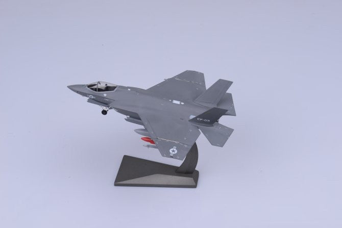 Air Force 1 AF1-0010 1/72 F-35 F-35C USNC Diecast Military Aircraft Model