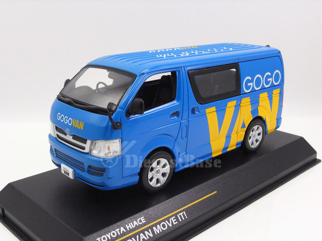 1/43 Toyota Hiace Tiny 003025  ~ top view ~ taken by DiecastBase