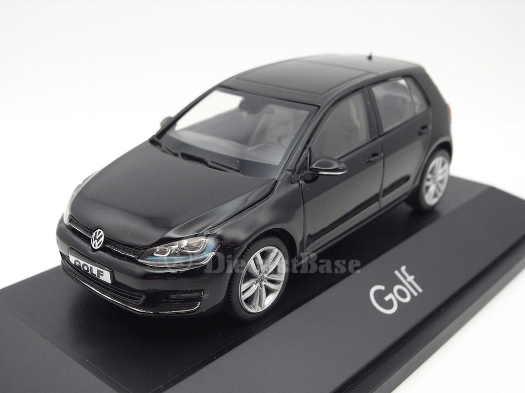herpa 070720 1 43 volkswagen golf vii 4 doors black vw diecast model r. Black Bedroom Furniture Sets. Home Design Ideas