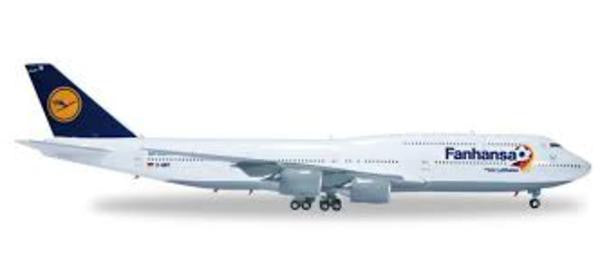 Hogan Wings LH30 1/200 Lufthansa LH DLH Fanhansa BOEING 747-8 D-ABYO Saarland Plastic Snap-Fit Model Commercial Aircraft Civil Aviation