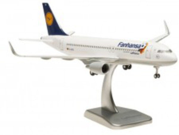 Hogan Wings LH31 1/200 Lufthansa LH DLH Fanhansa AIRBUS A320-200 Sharkle Plastic Snap-Fit Model Commercial Aircraft Civil Aviation