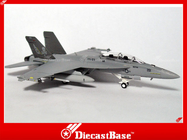 Hogan Wings Model 6214 1/200 F/A-18F US Navy VFA-103 Jolly Rogers AG201 1:200 M-Series Diecast Military Aircraft Model
