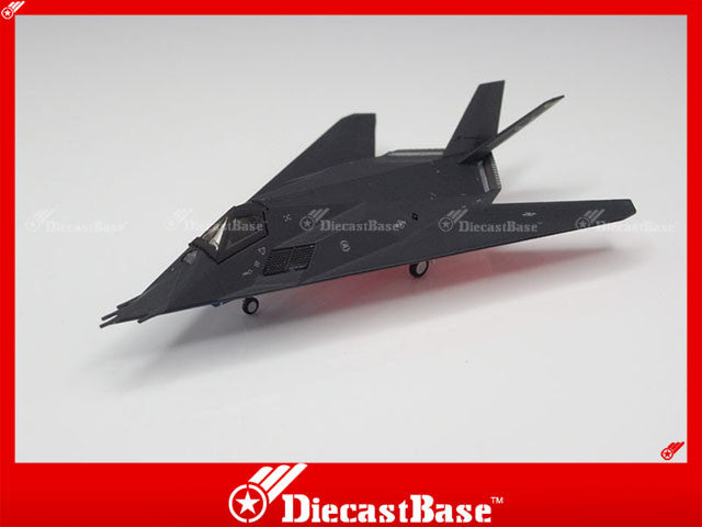 Hogan Wings Model 6498 1/200 F-117A USAF Holloman AFB 49th Forty Niners 8th FS Black Sheep (US Flag) 1:200 M-Series Diecast Military Aircraft Model