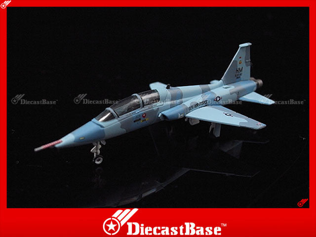 Hogan Wings Model 7358 1/200 AT-38B USAF 833rd AD Holloman AFB NM Lead In Fighter Training (LIFT) a/c (Aggressor Scheme) HM 833 AD 88138 1:200 M-Series Diecast Military Aircraft Model