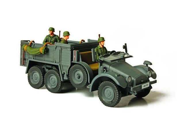 FOV 80080 1/32 GERMAN KFZ. 70 PERSONNEL CARRIER (Eastern Front 1941) Forces of Valor Diecast Military Vehicle Model