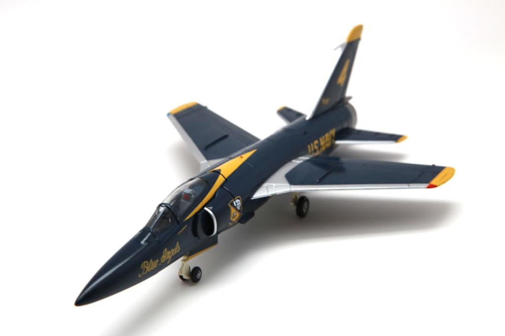 FA728007 FALCON MODELS F11F-1 US Navy #4 aircraft 141849 Blue Angels 1964-65 Diecast Military 1:72