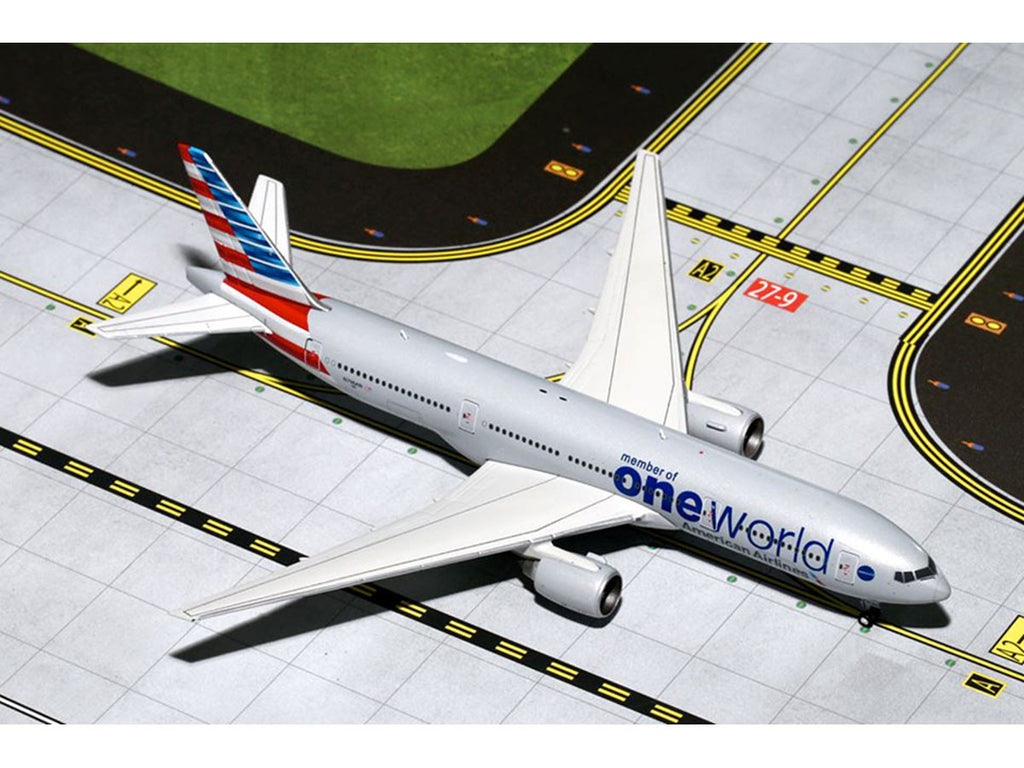 "1/400 Boeing 777-200ER AMERICAN Airlines ""Oneworld"" (N796AN) GeminiJets GJAAL1362  ~ top view ~ taken by DiecastBase"
