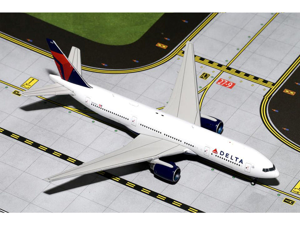 1/400 Boeing 777-200ER DELTA Airlines (N865DA) GeminiJets GJDAL1415  ~ top view ~ taken by DiecastBase