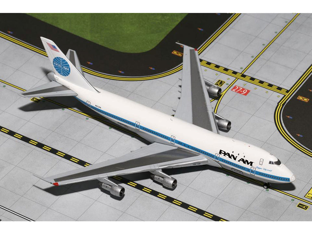 "1/400 Boeing 747-100 PAN AM World Airways ""Clipper Mermaid"" (N652PA) GeminiJets GJPAA1206  ~ top view ~ taken by DiecastBase"