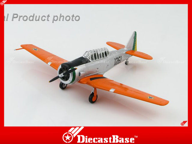HA1525 HOBBYMASTER T-6D Texan 1261 FAB (Brazilian Air Force) Military Propeller 1:72