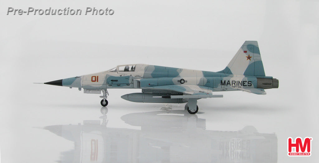 "HOBBYMASTER HA3325 1/72 F-5 Northrop F-5E Tiger II 730855 VMFT-401 ""Snipers"" June 2006 Military Aircraft Jet Diecast"