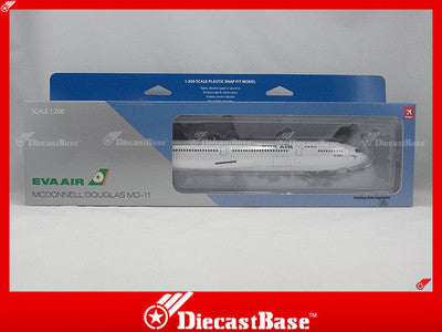 Hogan Wings HG3503GR 1/200 EVA Airways McDonnell Douglas MD-11 1:200 Commercial Aircraft Snap-fit Plane Model