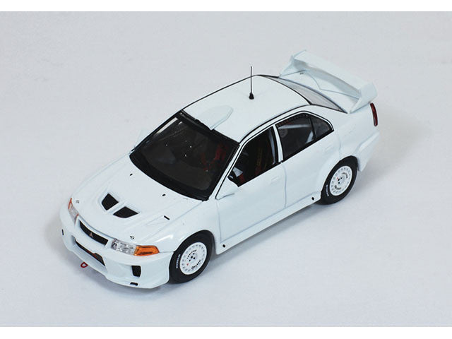 IXO MDCS012 1/43 Mitsubishi Lancer Evo V 1998 Rally Spec All White (2 set of wheels and tyres) Diecast Model Racing Car