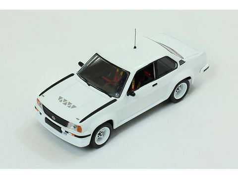 IXO MDCS014 1/43 Opel Ascona 400 1981 Rally Spec All White (2 set of wheels and tyres) Diecast Model Racing Car