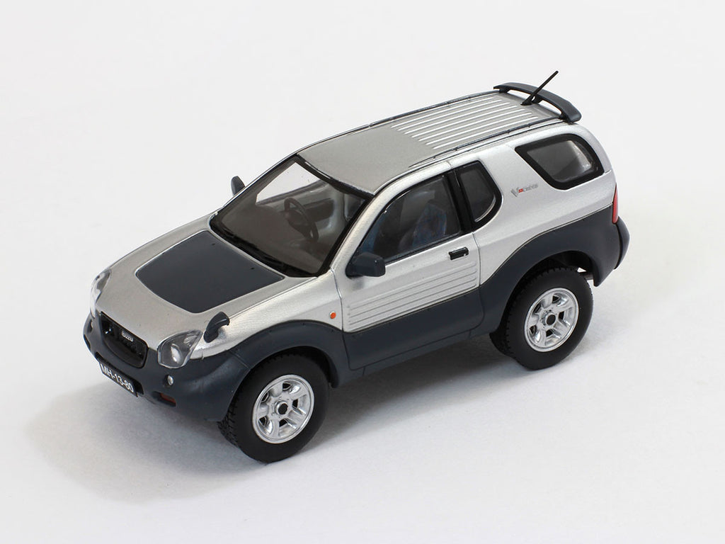 1/43 Isuzu Vehicross Premium X PRD420  ~ top view ~ taken by DiecastBase