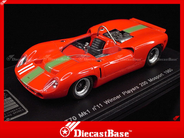 Spark S1467 1/43 Lola T70 Mk1 No.11 Winner Players 200 Mosport 1965 John Surtees 1:43 Diecast Model Racing Car