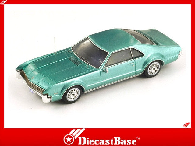 Spark S2952 1/43 Oldsmobile Toronado 1967 Metallic Green 1:43 Diecast Model Road Car