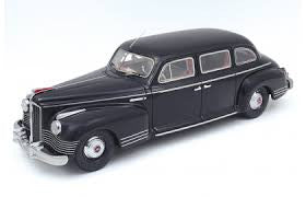 Century Dragon CDAD-1001A 1/43 ZIS-110 Soviet Limousine Diecast Model Car (CD4316A)