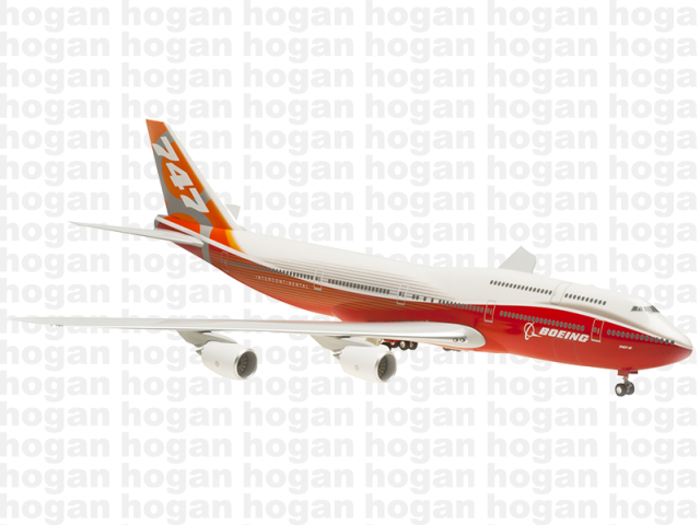 "Hogan Wings 0328 1/200 BOEING 747-8 House Colors ""Rollout"" Plastic Snap-Fit Model Commercial Aircraft Civil Aviation"