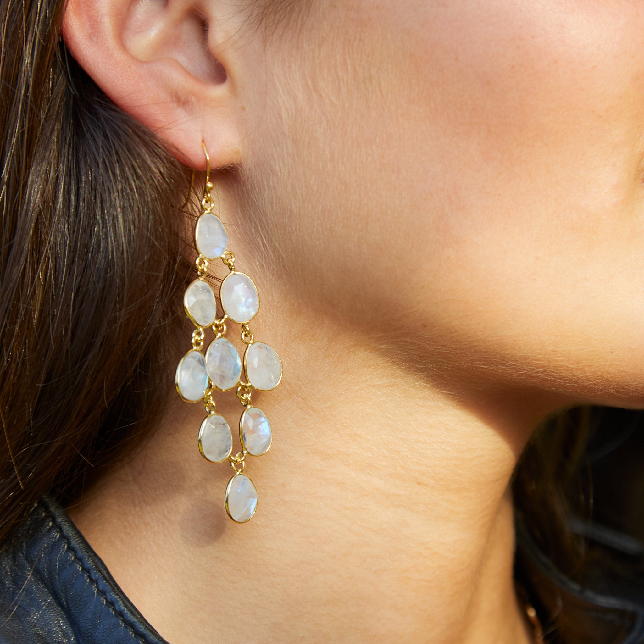 Waterfall Earring in Gold with Moonstone