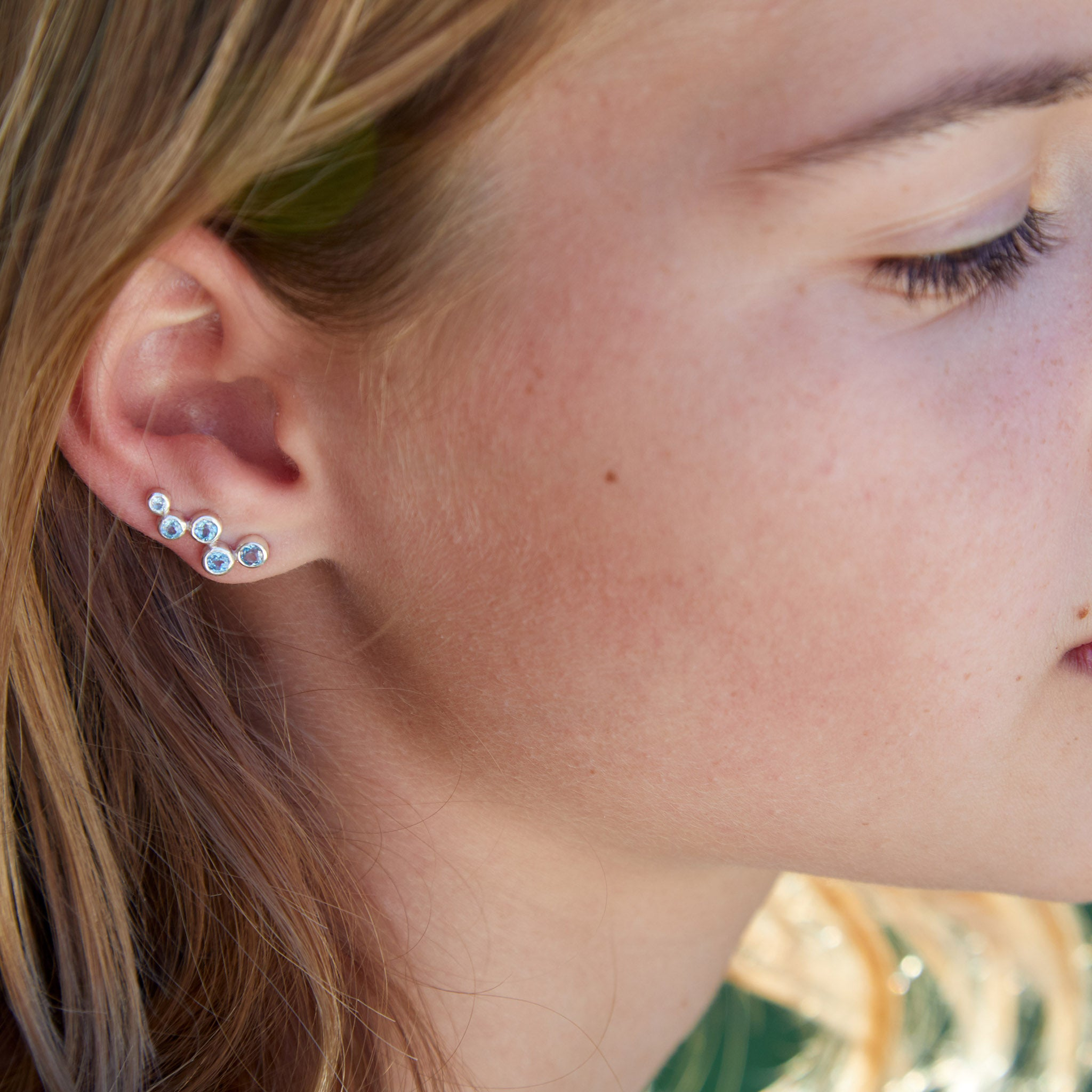 Aquila Studded Ear Jewel in Silver with Topaz