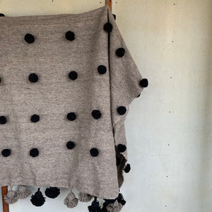 Moroccan Pompom Throw - grey/black
