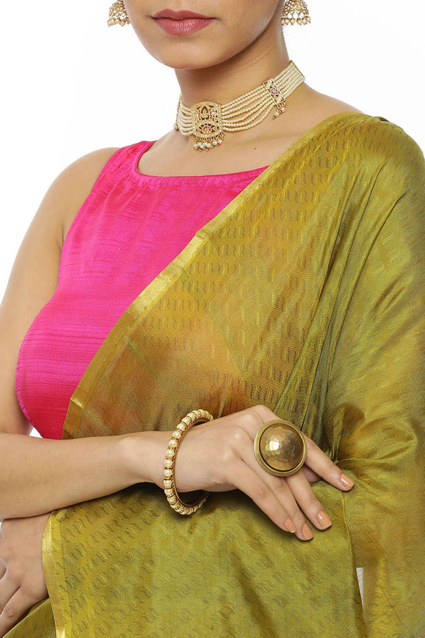 Indian Artizans - Olive Green Kanjeevaram Silk Saree With Magenta Pallu