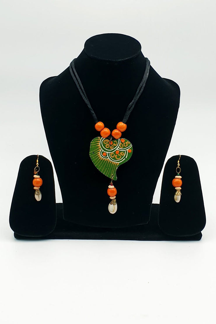 Indian Artizans - Green Wooden Traditional Handmade Bhuj Jewellery Set