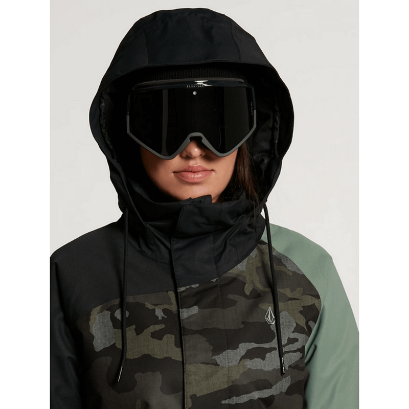 over sized hood on volcom westland snow jacket