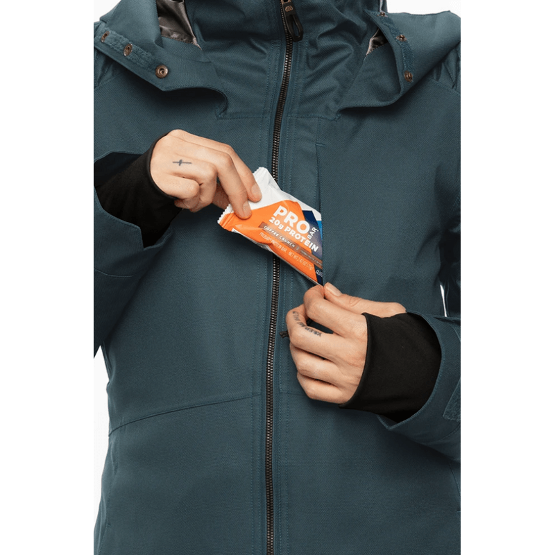 chest pockets in 686 aeon womens snow jacket