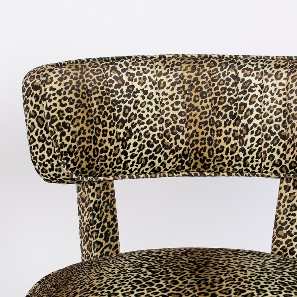 Chair Claws Out Panther