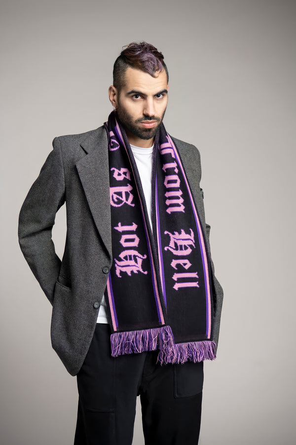 HOT AS A KISS FORM HELL Scarf - Black / Light Pink
