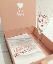 Load image into Gallery viewer, Medium Bridesmaid Proposal Box