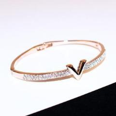 V SHINY BANGLE