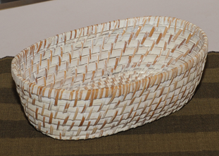 BAMBOO OVAL BREAD BASKET 26X16XH8CM WHITE WASH