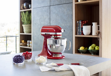 KitchenAid ARTISAN 4.8 L Tilt-Head Stand Mixer - Empire Red
