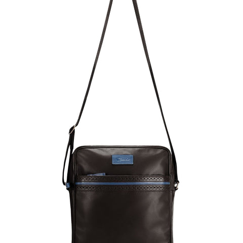 image of BIGGLESWORTH BLACK LEATHER BAG showing strap size