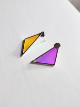 Load image into Gallery viewer, Triangle earrings