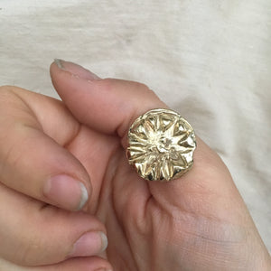 R E Y  Embossed Sun Ring 9ct Gold
