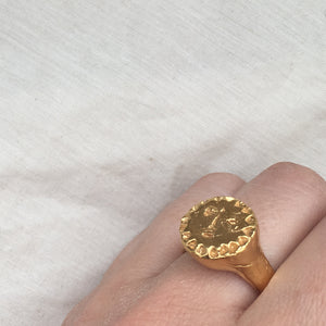 LUNAE Sun Face Signet Ring 18k Yellow Gold Plated