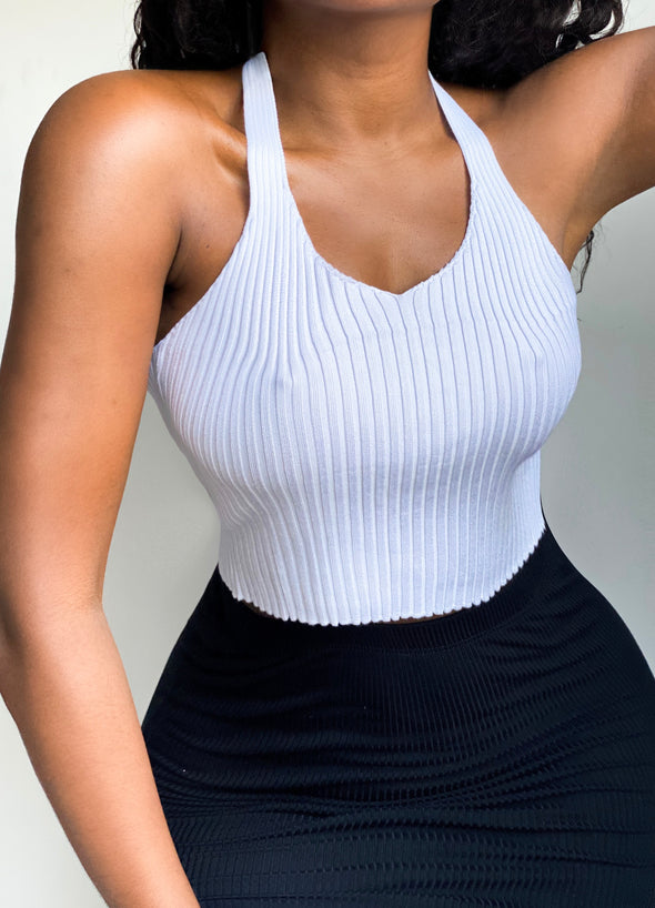 RIBBED HALTER CROP | TOP
