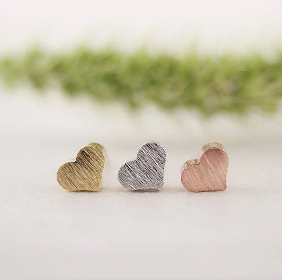 Discovery - Mini Heart Earrings